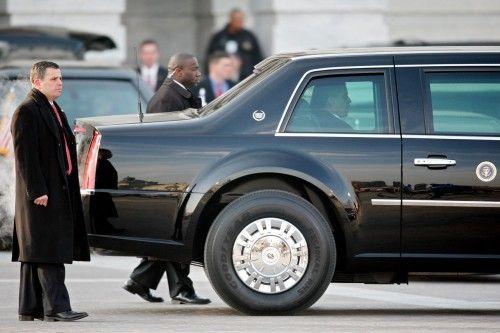La limousine d'Obama s'échoue comme une baleine.