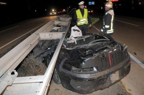 Porsche 911 crashée dans une barrière