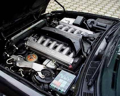 BMW E30 avec V12 de 850 Ci