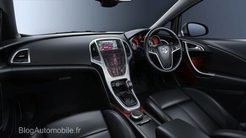 Intérieur Opel Astra 2010