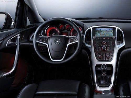 Opel Astra 2010 - Intérieur