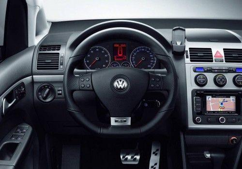 VW-Touran-R-Line-3