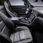 2011_mercedes_benz_sls_interior_007-0425-950x650
