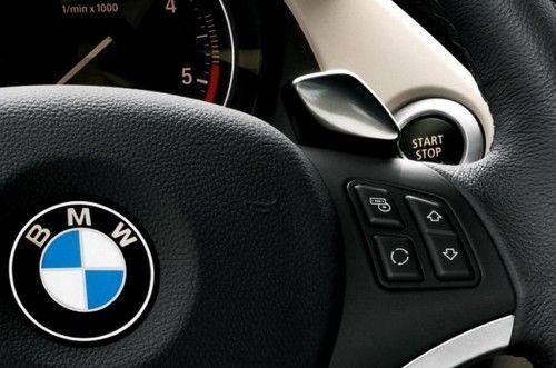 BMW-X1-teaser volant