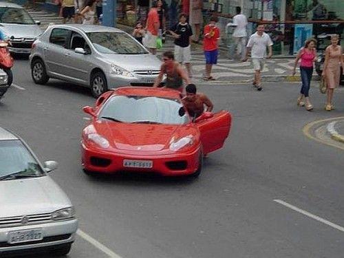 F 360 Modena en rade  !