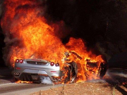 FerrariF430_en feu