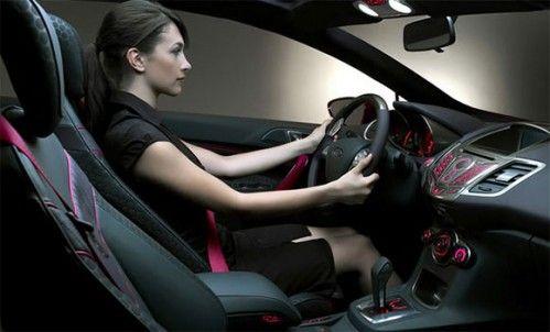 Les voitures pour Femmes Top-model-virtuel-ford-fiesta1-499x302