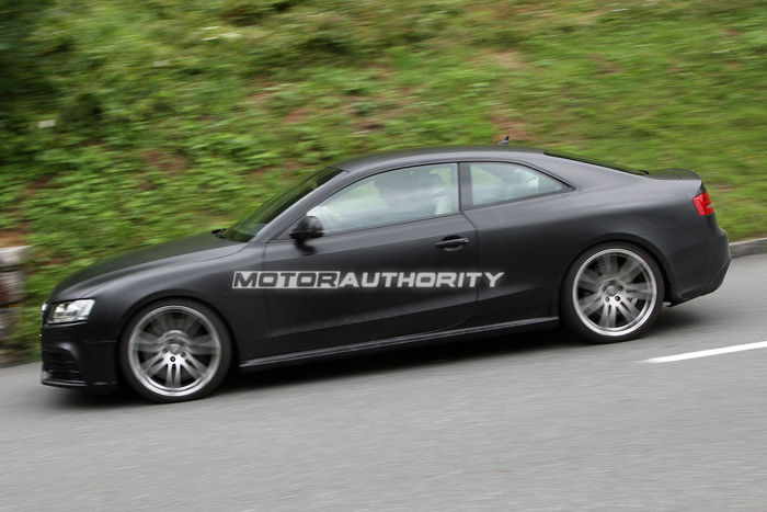 audi-rs5-spy-shots-testing-in-the-alps_100226923_l