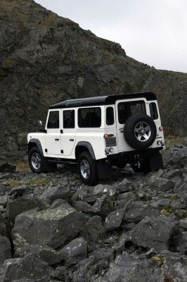 land-rover-defender-ice-6