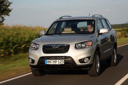 2010-Hyundai-Santa-Fe-1