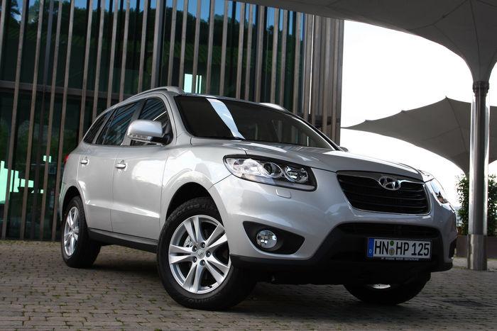 2010-Hyundai-Santa-Fe-5