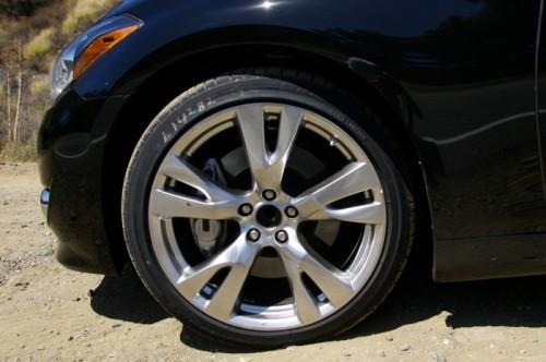 2011-infiniti-m56-sport-20-inch-wheel