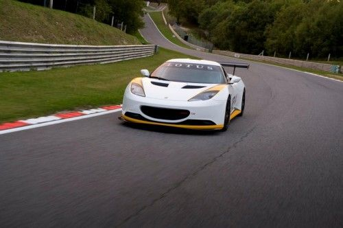 lotus_evora_type_124_front_3qtrs_moving_2