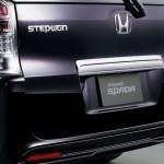 2010-Honda-Step-Wagon-17