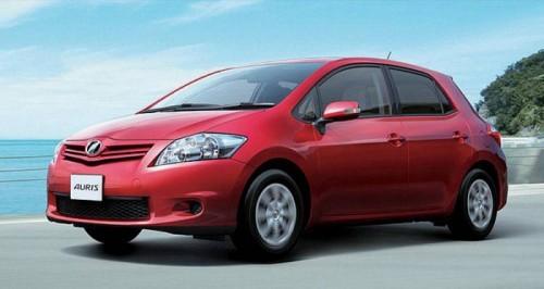 2010-Toyota-Auris-1