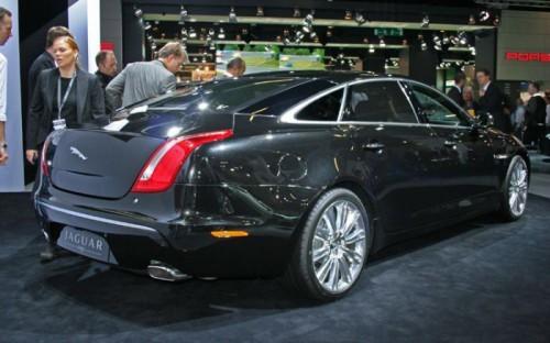 2010-jaguar-XJ-rear-three-quarter
