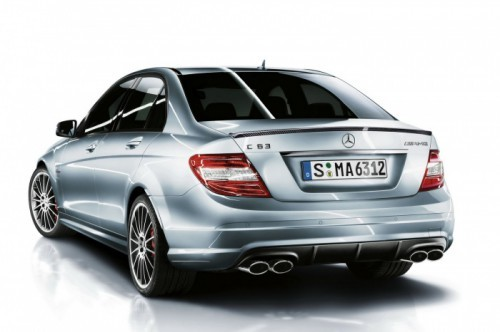 Mercedes-C63-AMG-Performance-Pack-1