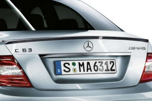 Mercedes-C63-AMG-Performance-Pack-3
