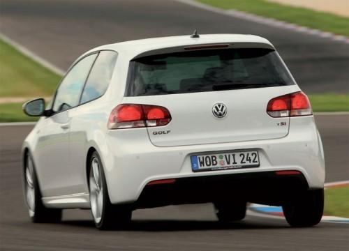 Volkswagen-Golf-VI-R-Line-3