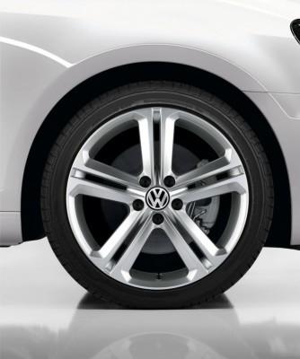Volkswagen-Wheel-R-Line