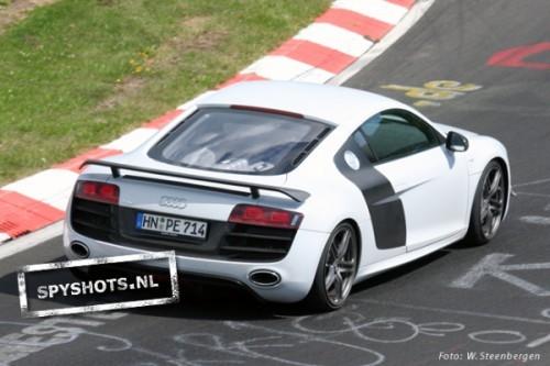 Audi-R8v10-7_09626201247
