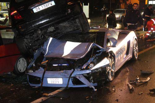 Lamborghini Gallardo di Polizia détruite