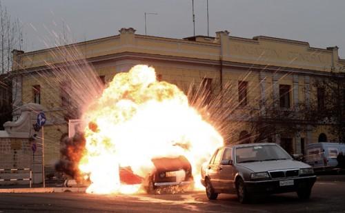explosion-voiture