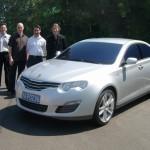 roewe 550-Design-Team-with-IP21-Design-Model-lg