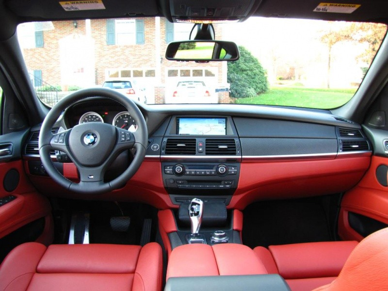 bmw x6 m un bel exemplaire spacegrau int rieur cuir rouge vid o blog automobile. Black Bedroom Furniture Sets. Home Design Ideas