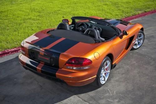2010-Dodge-Viper-SRT10-11