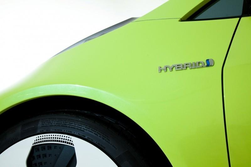 2010_naias_hybrid_concept_2