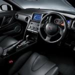 2011-Nissan-GT-R-SpecV-13