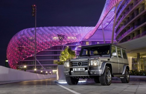 Mercedes_SLS_AMG_Desert_Gold_en_G55_AMG_03