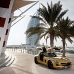 Mercedes_SLS_AMG_Desert_Gold_en_G55_AMG_06