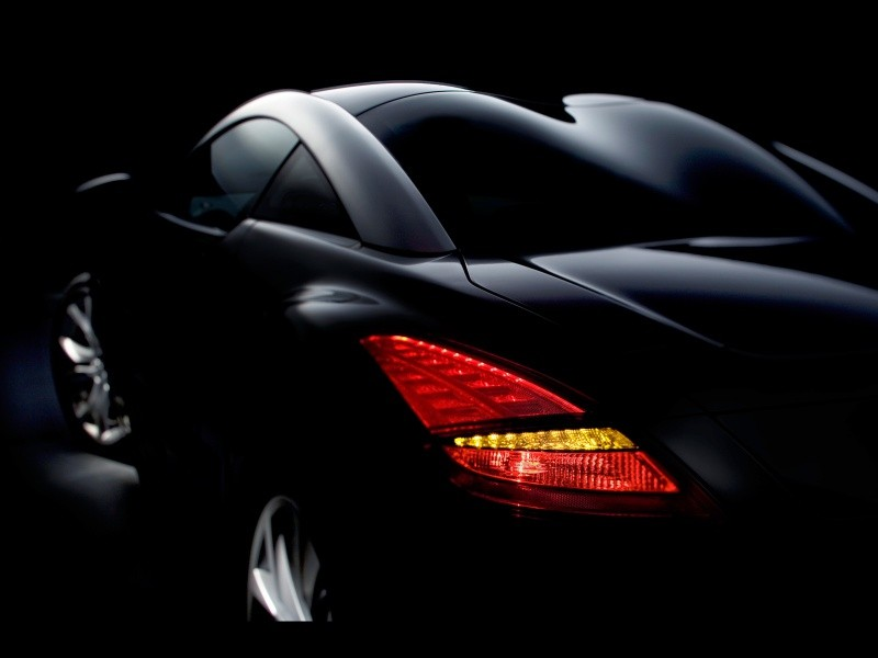2010-Peugeot-RCZ-Taillight