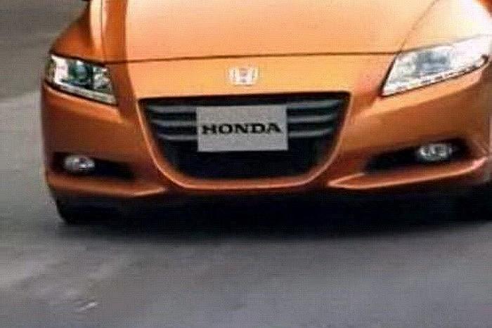2011-Honda-CR-Z-Hybrid-12