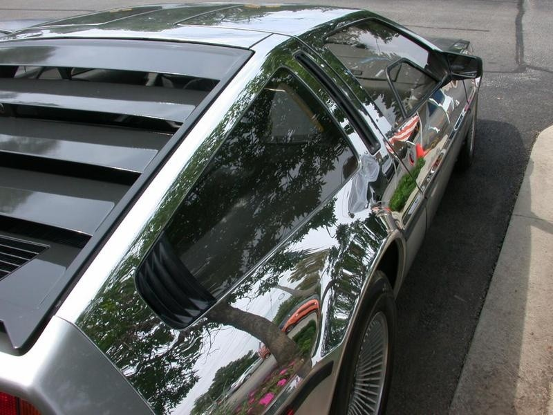800x600_chrome_delorean__4_