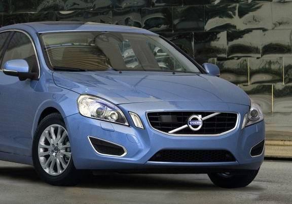 Nouvelle-Volvo-S60-2010