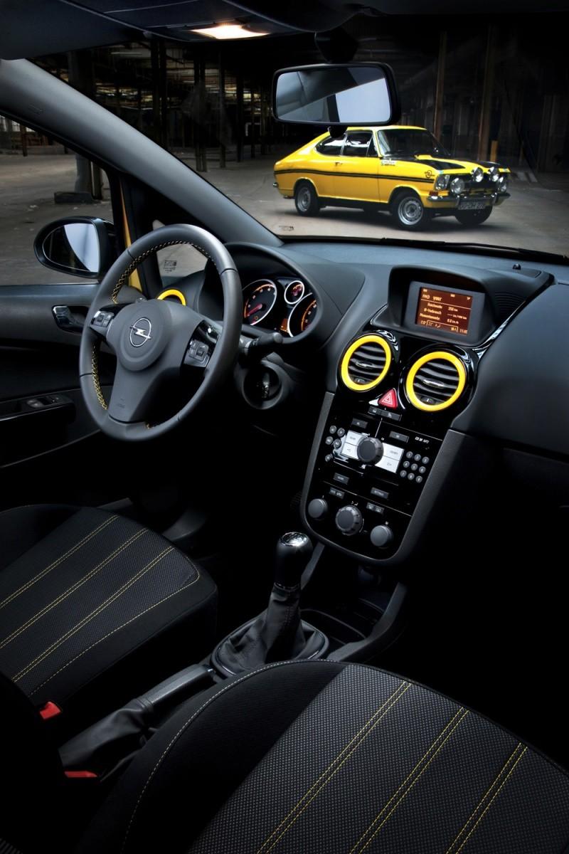 Opel corsa color race c 39 est dor comme de la kadett b for Opel kadett e interieur