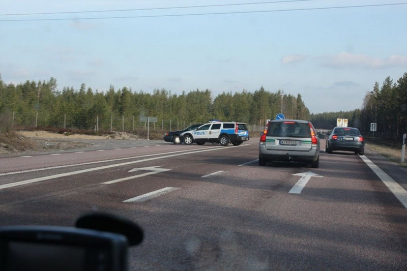 Sweden-Volvo-Cops-Audi-1