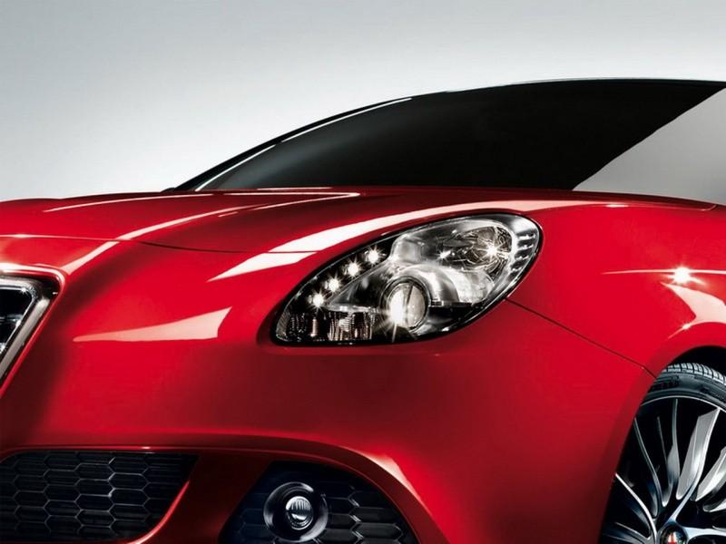 Alfa-Romeo-Giulietta-2010