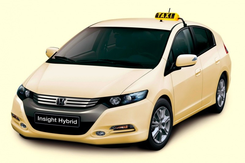 Honda-Iinsight-Hybrid-Taxis-2