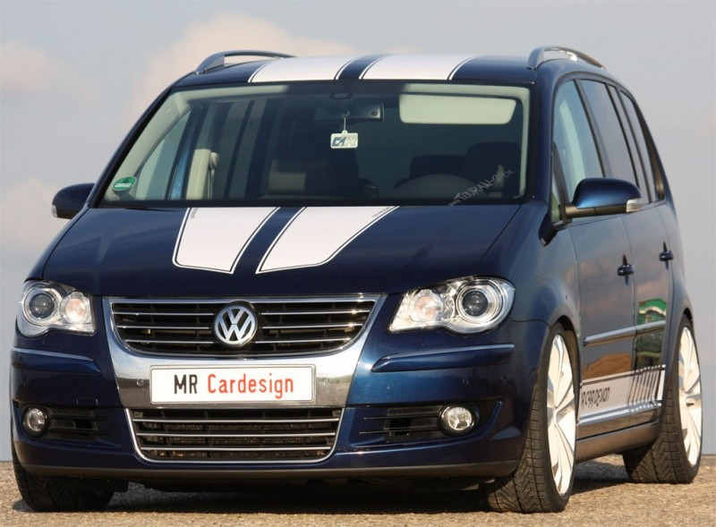 MR-Car-Design-Volkswagen-Touran-1
