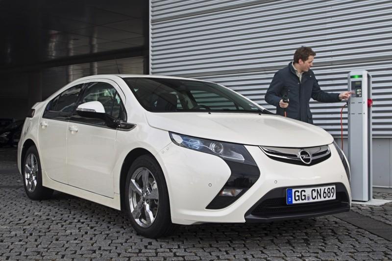 Opel ampera 2010