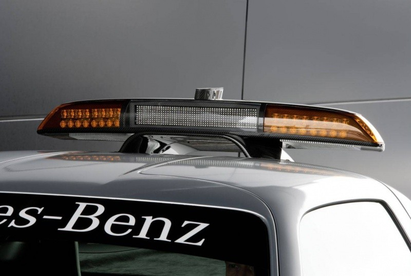 MercedesSLSAMGSafetyCarFormula12010_06