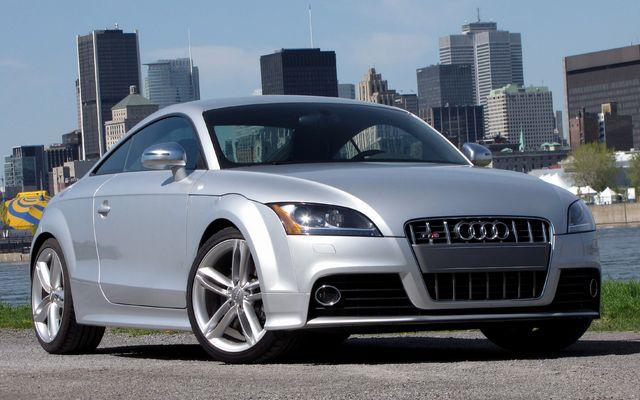 2010_Audi_TT