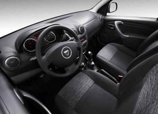 Photo DD.11 553x399 Dacia Duster 2010 : A partir de 11.900€... avec le plein de vidéos et encore plus de photos !