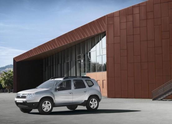 Photo DD.9 553x399 Dacia Duster 2010 : A partir de 11.900€... avec le plein de vidéos et encore plus de photos !