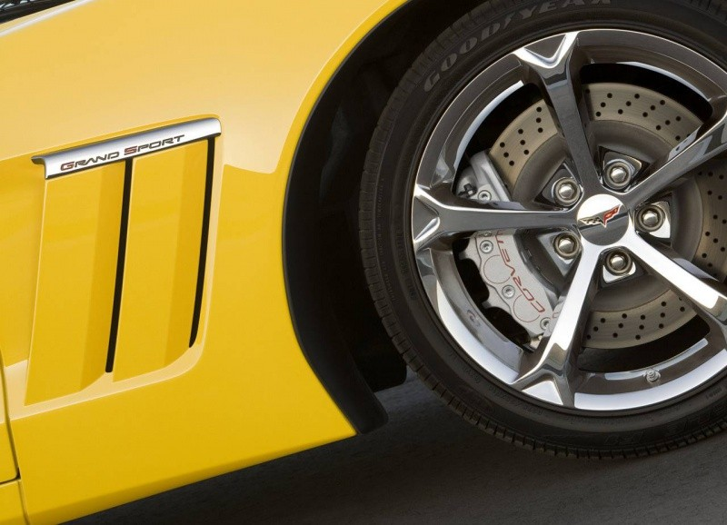 Chevrolet-Corvette_Grand_Sport_2010_2d