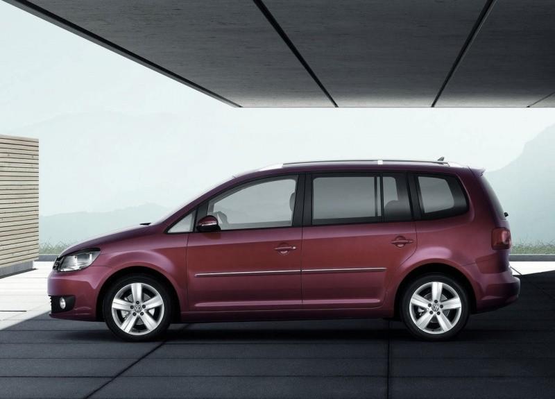 Volkswagen-Touran_2010_03